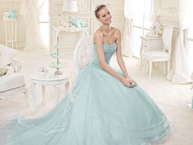 140c280a80dc abito-azzurro-chiaro-ampio. Tra le nuove collezioni di abiti da sposa ...
